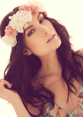 Alexandria Eissinger fotograf christian grüner daylight flower blomster beauty top brunette