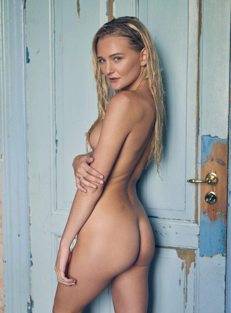 Camilla Maria Christensen fotograf christian grüner nøgen nude naked blonde blå øjne blue eyes