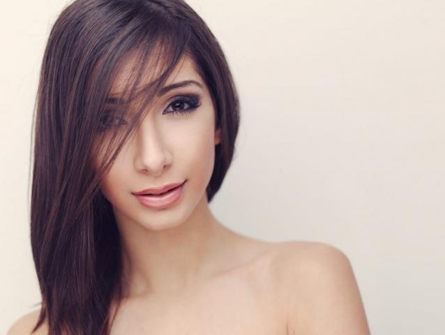 Shana Baban fotograf christian grüner portræt brune øjne