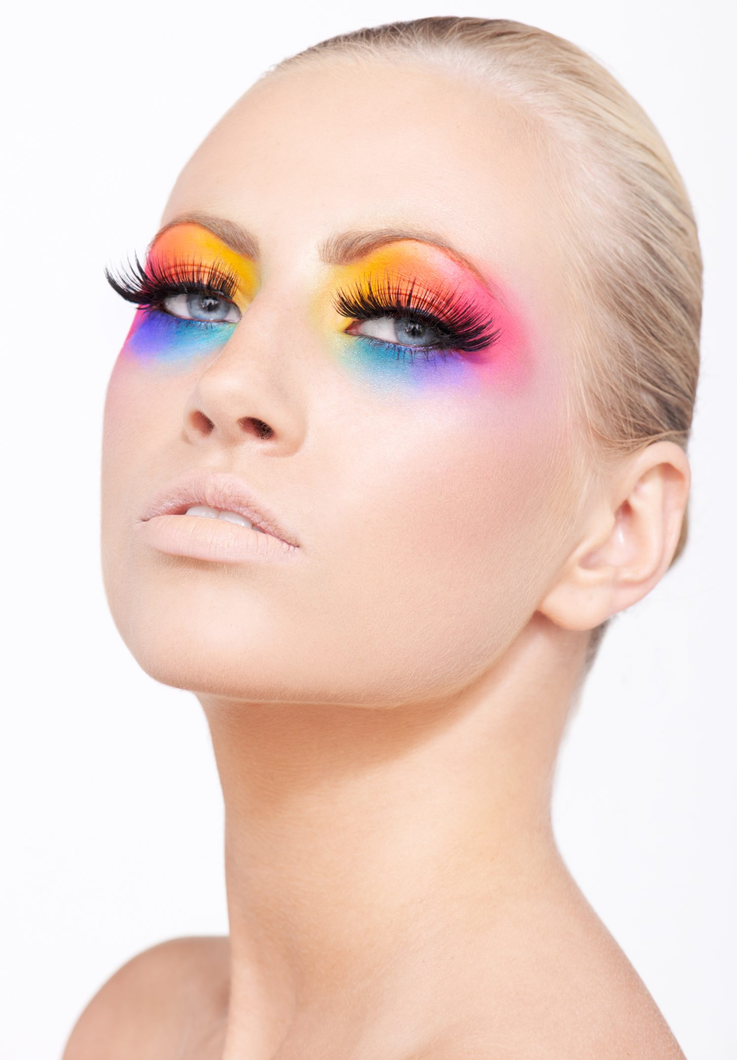 Iben Juel Nielsen fotograf christian grüner farverig make-up beauty colorful