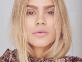 Camilla Frederikke Søndergaard Christensen youtuber makeup-artist blogger model close-up portrait