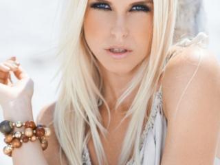 Sandra Vester fotograf christian grüner portræt ansigt model strand blondine