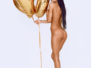 Pernille Lorenzen fotograf christian grüner nøgen naked nude topless golden balloon connery.dk black hair